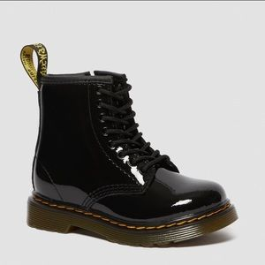 DR MARTENS Patent Leather Lace Up Boot Size 11!